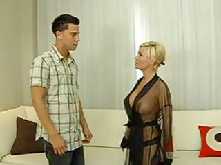 busty blonde d like to fuck fucking good