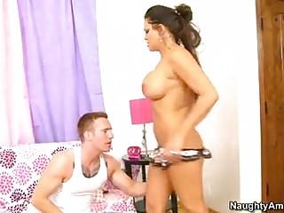 teri weigel sexy mamma lie on sofa and get pussy