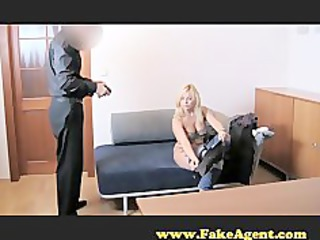 fakeagent clueless d like to fuck does anal