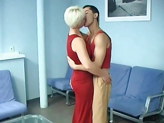 short haired golden-haired milf drilled anally by