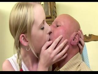 old chap fuck his juvenile girlfriend (creampie)