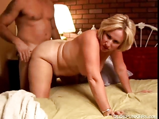 kinky older hottie molly gives a sloppy rimjob