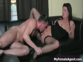 horny milf boss receives her constricted pussy