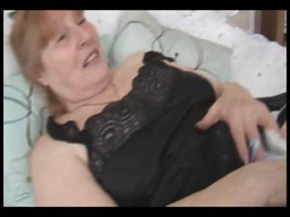 busty chubby granny rubs her hairy vagina and