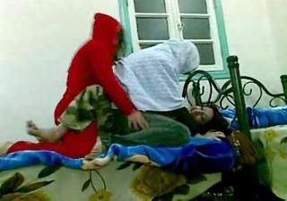 arab wifes have fun