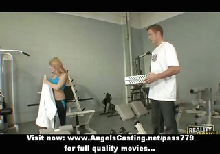 hawt blond in the gym does blowjob for pizza guy