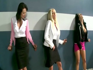 group of penis hungry cfnm milfs engulfing