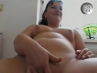 amateur sex videoshorny mother i fingering her