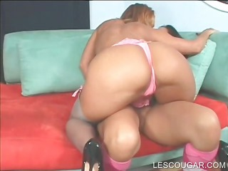 lesbian mommy in large meatballs pussy licked