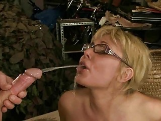 mature pair pissing and fucking