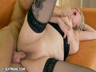 granny gets fucked from http://oqps.net