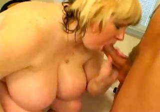 big beautiful woman sucks and fucks in bathroom