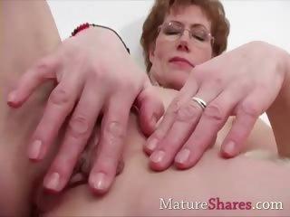 fingering mature alice