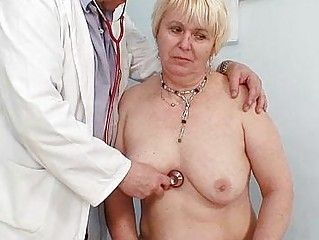 bulky blonde mamma curly pussy doctor exam