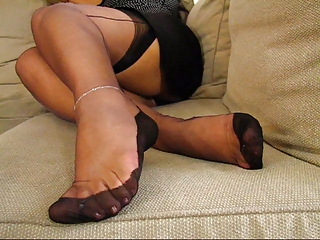 mature fully fashioned stockings feet