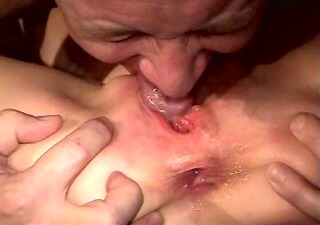 trailer park doxy receives fingered two