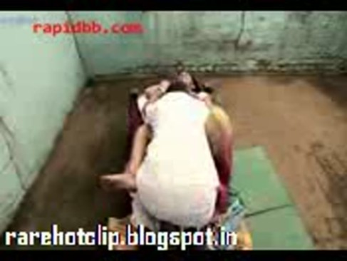 lady forcely- rarehotclip.blogspot.in