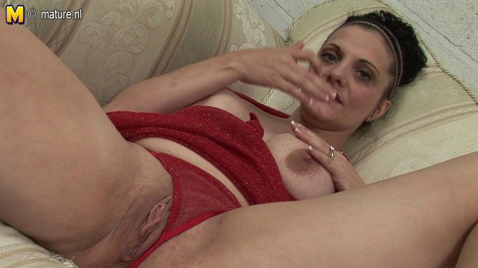 hawt brunette housewife getting herself wet